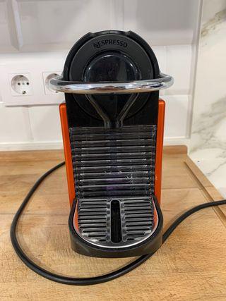 Cafetera Nespresso + Aeroccino Nespresso