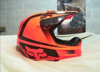 casco y gafas fox