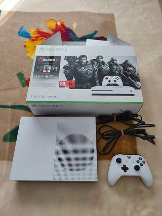 Xbox One S 1 TB NO NEGOCIABLE