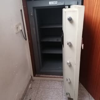 caja fuerte de banco blindada