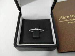 anillo de compromiso Oro blanco y diamantes.