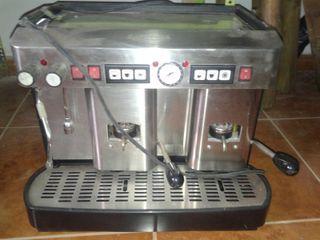 Maquina cafe sin instalacion La Piccola dos brazos
