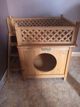 caseta de madera para gato o perro