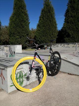 Bicicleta piñón fijo (fixie)