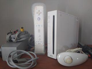 Consola wii con todos sus cables,1 mando,1 nunchuk