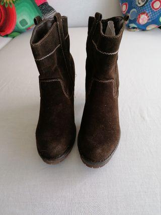 botín marrón tacón
