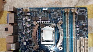 Placa base + procesador + memoria + Vga