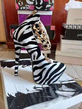Zapatos de estampado de zebra