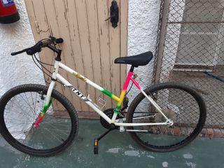 vendo bicicleta por no tener donde guardarla