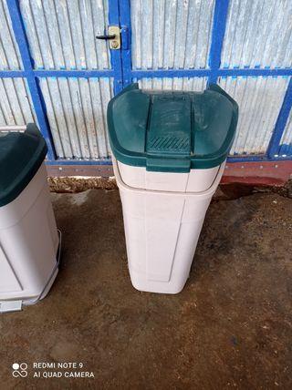 Cubo basura exterior