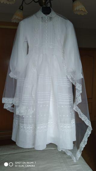 Vestido comunión antiguo.