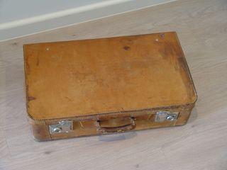 Antígüa maleta de piel