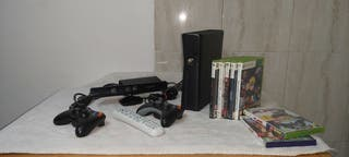 Xbox 360 slim black + Kinect + 3 mandos + juegos