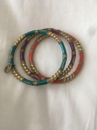 Conjunto de pulseras de MANGO