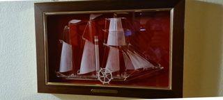 Cuadro barco de cristal