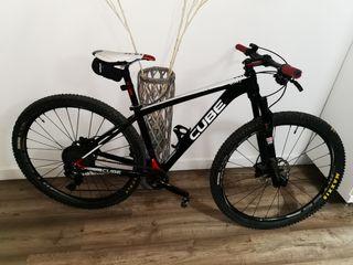 bicicleta carbono 29 talla M CUBE c68 pro