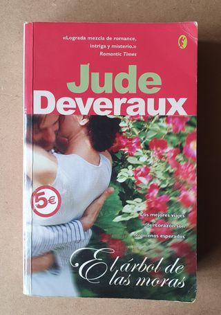 """Libro Jude DEVERAUX """"El árbol de las moras"""""""