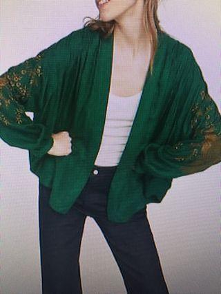 Kimono jacquard Zara.