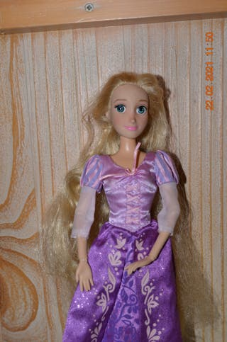 Muñeca Rapunzel original de disney store
