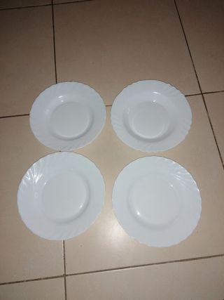 4 platos