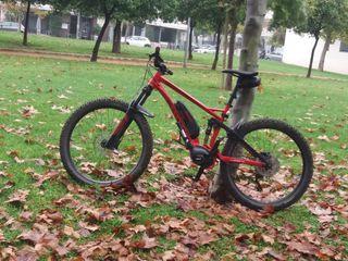 Bicicleta eléctrica Ghost doble suspensión.