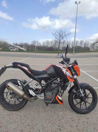 KTM Duke 125. Linea completa Akrapovic homologada