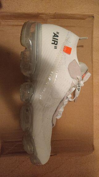 Se vende zapatillas Nike Off White vapormax