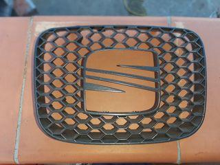 Rejilla panel abeja Seat leon 1M FR