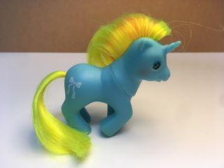 Mi pequeño pony bebé Ribbon. Unicornio