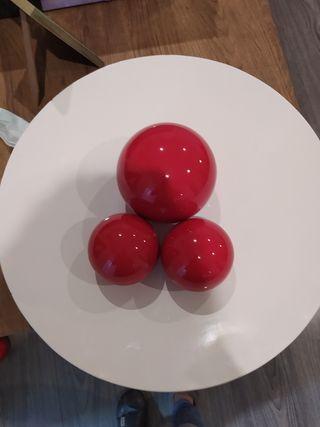 decoración plato con bolas