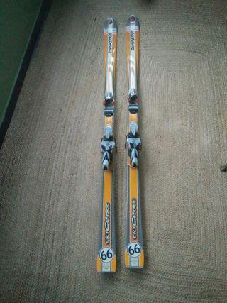 Esquís Dynastar SkiCross con fijaciones Rossignol