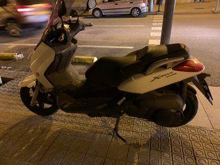 Yamaha XMax 250cc.