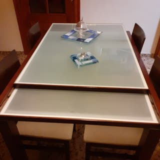 mesa de comedor extensible.