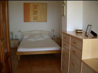 Estructura de cama minimalista