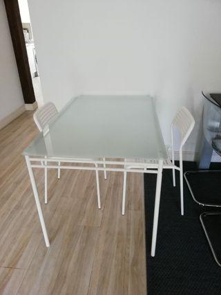 Mesa, sillas y taburetes de cocina Ikea