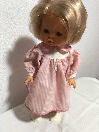 Muñeca María de famosa