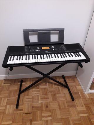 Piano Yamaha E 363