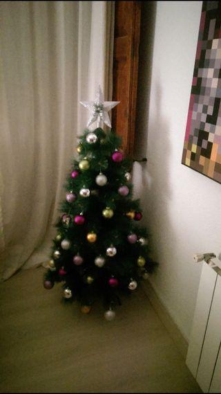 Árbol de Navidad con la decoración