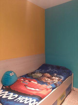 Cama y armario juvenil