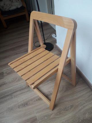 Cadira de fusta plegable/ Silla madera plegable