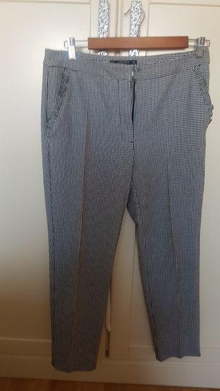 pantalon de cuadros pequeños blanco y negro
