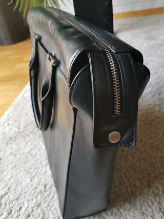 Bolso Maletin polipiel negro Zara