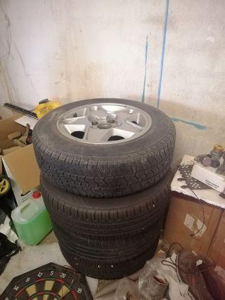 4 Llantas + neumáticos Peugeot