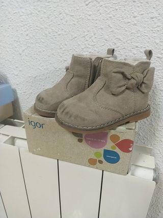 Zapatos bebé con lazo talla 20-21