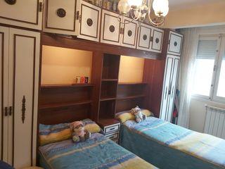 Dormitorio juvenil puente. Regalo colchones.