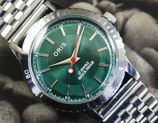 Reloj Oris Cuerda Hulk Verde Vintage