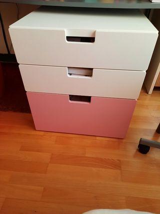 Cajonera Ikea de tres cajones amplios