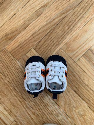 Zapatos NUEVOS de bebé de 0-3meses