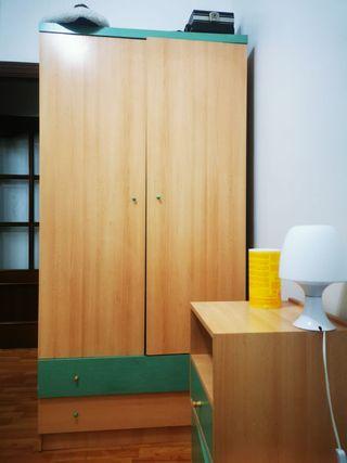 armario y mesita