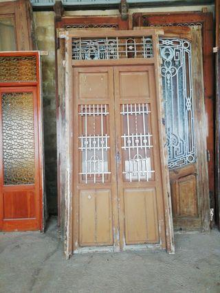 puerta de madera maciza para entrada